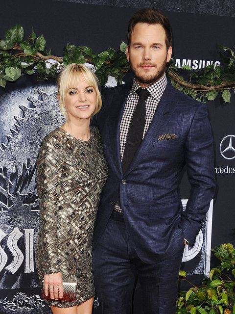 Actress Anna Faris and actor Chris Pratt attend the premiere of 'Jurassic World' at Dolby Theatre on June 9, 2015 in Hollywood, California.