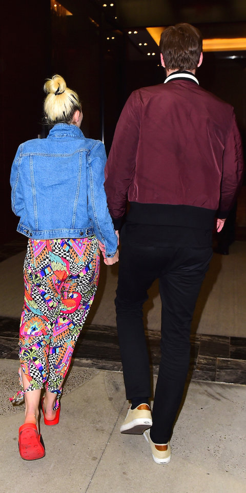 "Miley Cyrus and Liam Hemsworth put on a rare display of PDA as they headed out in NYC for a Date night, while Liam had an off day from promoting his new movie, ""Independence Day: Resurgence"". The reunited couple headed to the Soho House for Dinner with a"
