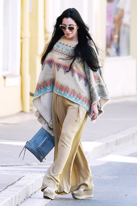 Cher Street Style France - Embed 2016