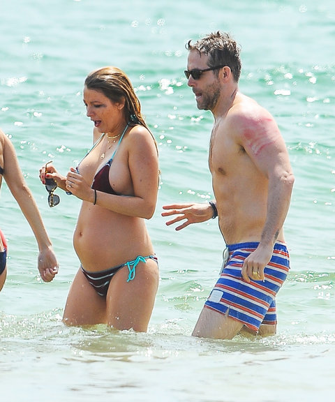 Blake Lively Shows Off Her Growing Baby Bump In A Tiny