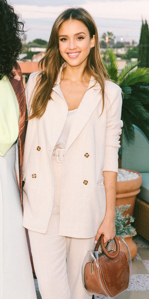 Jessica Alba Just Wore theTrendy Blogger Line That's Taking Over Instagram | InStyle.com