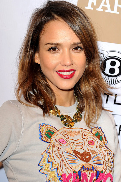 jessica alba hair style layered hairstyles instyle co uk 8375 | JessicaAlba Feb EastMeetsWestAnniversaryCelebration
