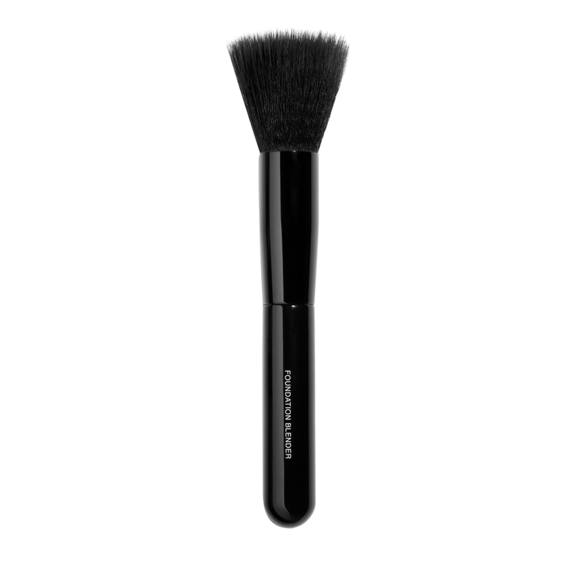 Chanel Les Pinceaux de Chanel Foundation-Blending Brush