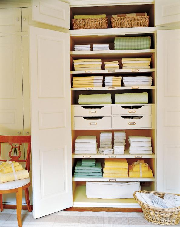 How To 5 Easy Ways To Organize Your Linen Closet Instyle