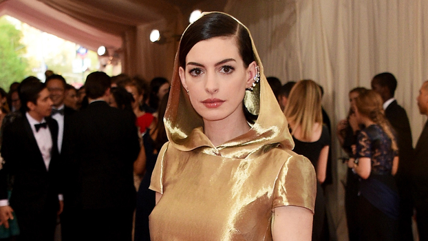 Anne Hathaway's Red Carpet Style