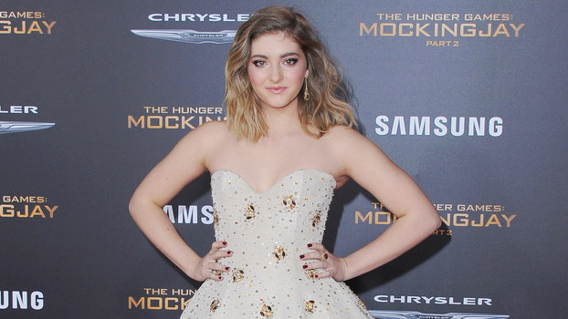 2015 Jon Kopaloff LOS ANGELES, CA - NOVEMBER 16:  Actress Willow Shields arrives at the Los Angeles Premiere Of Lionsgate's  The Hunger Games: Mockingjay - Part 2  at Microsoft Theater on November 16, 2015 in Los Angeles, California.  (Photo by Jon Kopalo