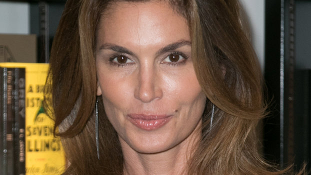 Cindy Crawford Posts Throwbac Photo With Claudia Schiffer