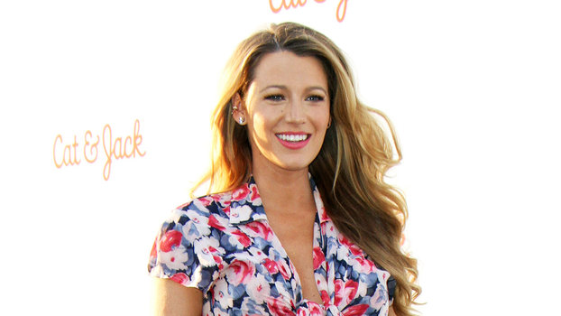 61e841f5a8281 Blake Lively Flaunts Her Baby Bump in a Tie-Front Floral Dress with a  Thigh-High Slit | InStyle.com