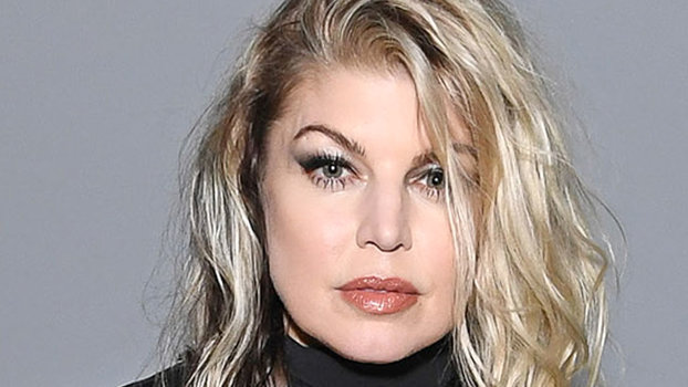 fergie s new hair will make you want to go solid blonde
