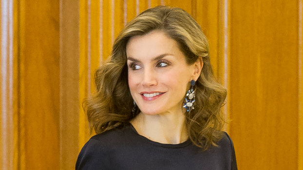 MADRID, SPAIN - OCTOBER 27:  Queen Letizia of Spain attends several audiences at Zarzuela Palace on October 27, 2016 in Madrid, Spain.  (Photo by Juan Naharro Gimenez/Getty Images)