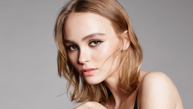 5 Hairstyles For Short Hair Erin Rose: Lily-Rose Depp's Chanel N°5 Campaign Video