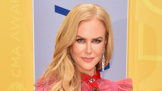 Nicole Kidman Is A Prairie Goddess In Her Dreamy Pink CMAs