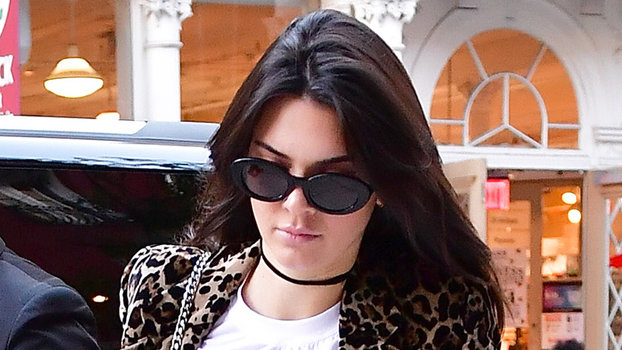 NEW YORK, NY - SEPTEMBER 15:  Kendall Jenner seen on the streets of Manhattan on September 15, 2016 in New York City.  (Photo by James Devaney/GC Images)