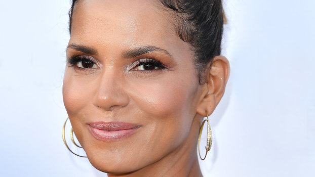Halle Berry Sometimes Feels Guilty Trying to Balance Work ...