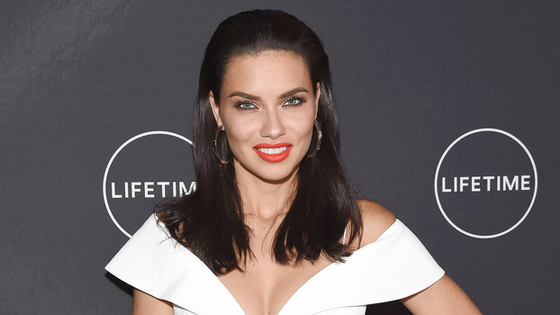 4111a5b2814 Victoria s Secret Angel Adriana Lima Defies Aging with  6 Mascara and  Avocados