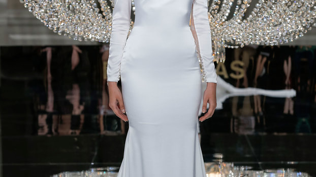 The Best Long-Sleeve Wedding Gowns from Bridal Fashion Week ...
