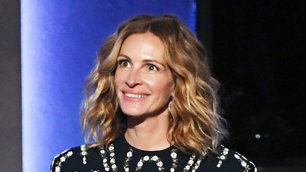 Julia Roberts Made a Stunning Surprise Appearance at a Gala Honoring Denzel Washington   InStyle.com