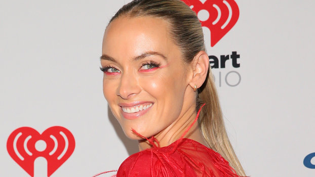 Batwoman's Rachel Skarsten Says There Are 3 Style Essentials Every Villain Needs