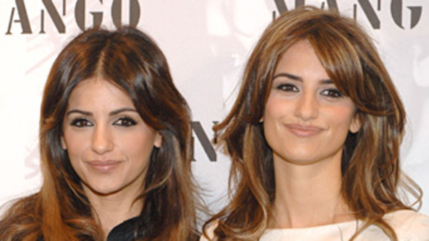 Penelope And Monica Cruz To Create Lingerie Line For Agent