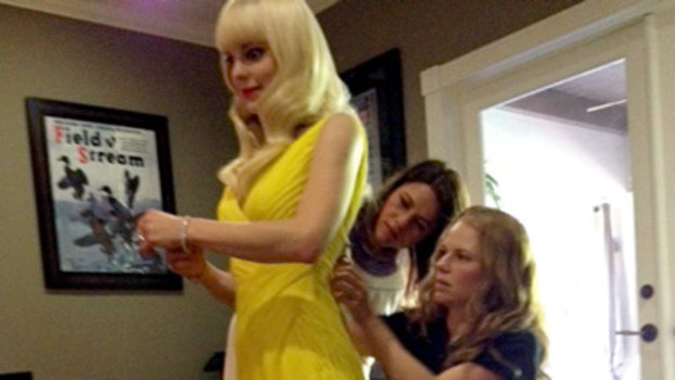 Behind the Scenes: Anna Faris on Emmy Night!