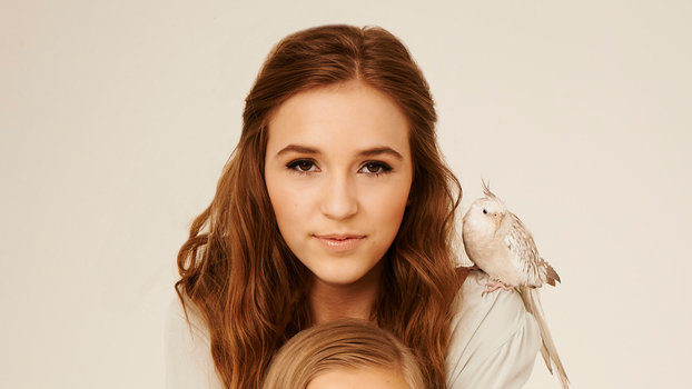 Lennon and Maisy Stella - Lead