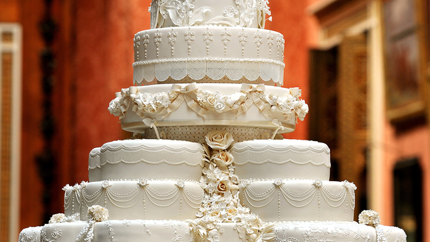 prince william and kate wedding cake recipe kate middleton s baker will make a royal wedding cake for 18785