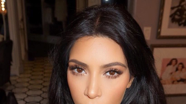 kardashian hair style documents recent haircut through 4406 | 080415 kim kardashian hair tout