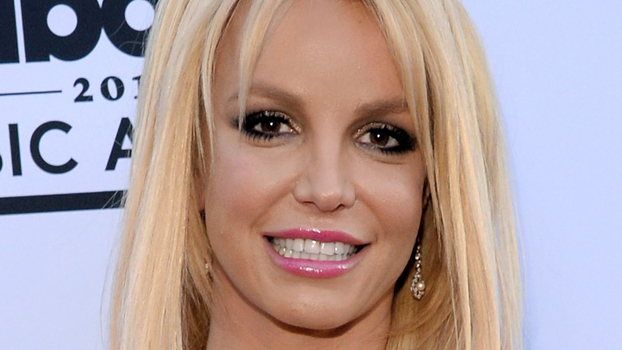 Britney Spears Dances To Adele S Quot Hello Quot In Instagram