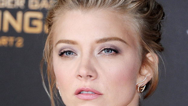 natalie dormer s romantic makeup steals the show at the