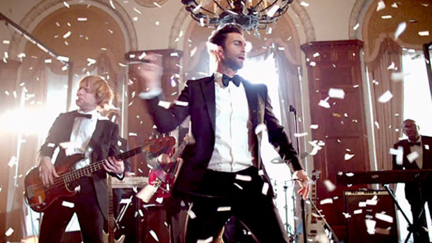 """Maroon 5 Hairstyle: Maroon 5 Crashes Weddings For """"Sugar"""" Music Video"""