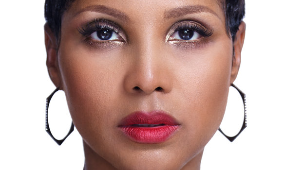 toni braxton hair styles toni braxton talks about the tough times and lifetime 9440
