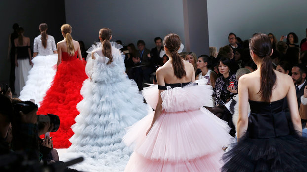The 10 Prettiest Photos from Spring 2016 Couture Fashion Week