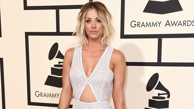 Kaley Cuoco Shows Off Her Toned Abs on the Grammys Red ...