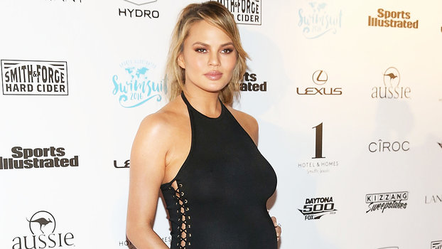 "0de71381c Chrissy Teigen ""Would Have Definitely Done"" Sports Illustrated Swimsuit  While Pregnant"