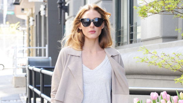 e472ab3a9ff Olivia Palermo Wears  13 Old Navy T-Shirt
