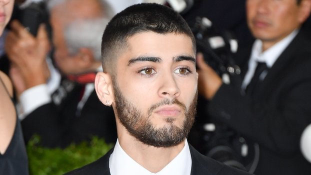 Zayn Malik Video Like I Would — Zayn Malik Wears Contact Lens in New ...