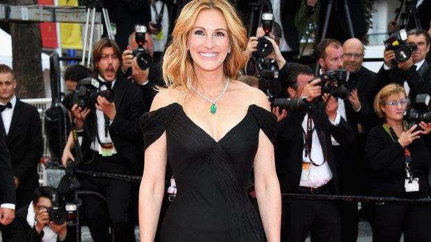 Julia Roberts Wows In Black Dress At Cannes Money Monster