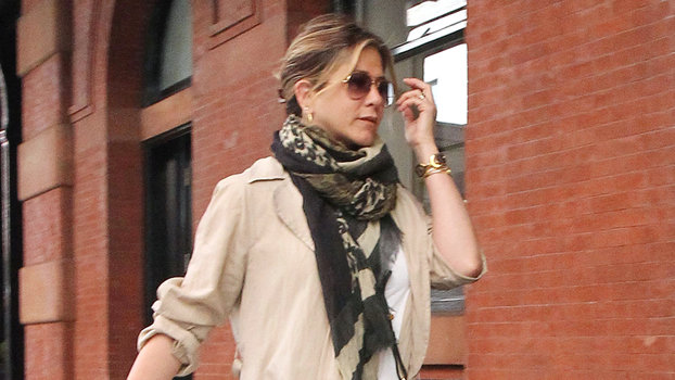 Jennifer Aniston 39 S Nyc Street Style