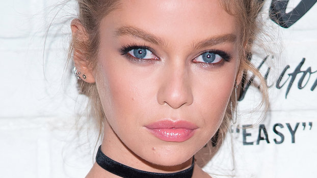 Stella Maxwell Messy Bun Smoky Eye Makeup Look Instyle Com