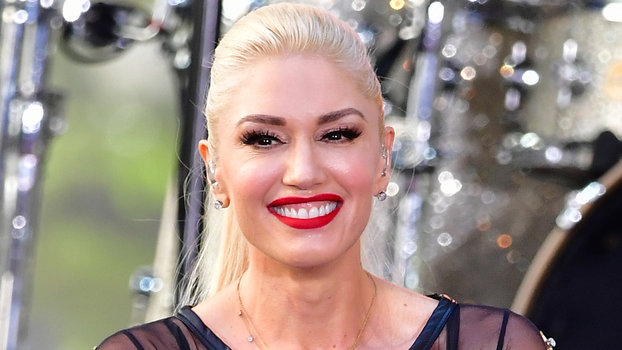 Gwen Stefani Brings Young Fan Who Was Bullied Onstage At