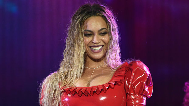 "CHICAGO, IL - MAY 27:  Entertainer Beyonce on stage during ""The Formation World Tour"" at Soldier Field on May 27, 2016 in Chicago, Illinois.  (Photo by Larry Busacca/PW/WireImage For Parkwood Entertainment)"