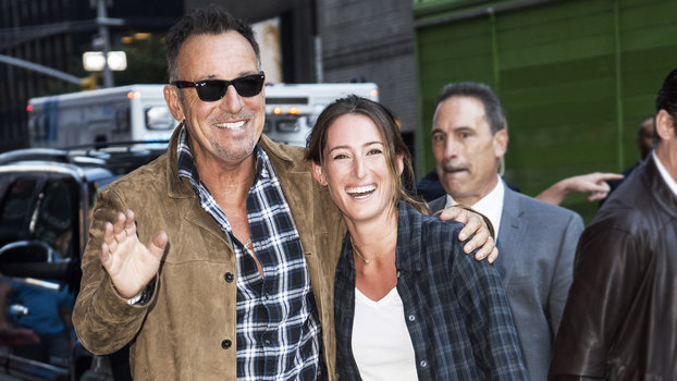 Bruce Springsteen Brings Daughter Jessica To Late Night