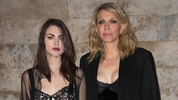 Courtney Love And Daughter Frances Bean Cobain Twin In