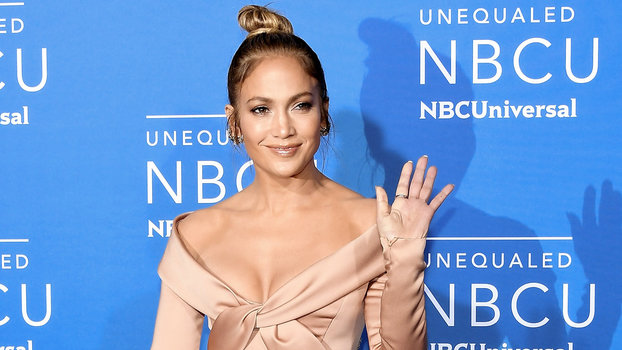 J Lo Hair Styles: J.Lo Wears High-Slit Satin Dress To NBCUniversal Upfronts