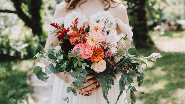 The real cost of wedding flowers instyle junglespirit Choice Image