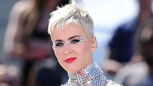 """Katy Perry Hair Styles: Katy Perry Says Donald Trump """"Retriggered"""" Her Sexual"""