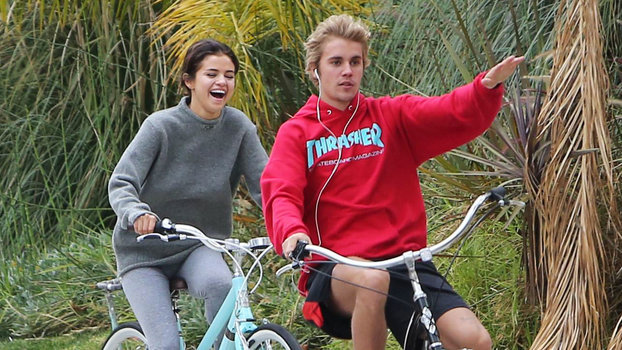 Justin bieber and selena gomez dating history