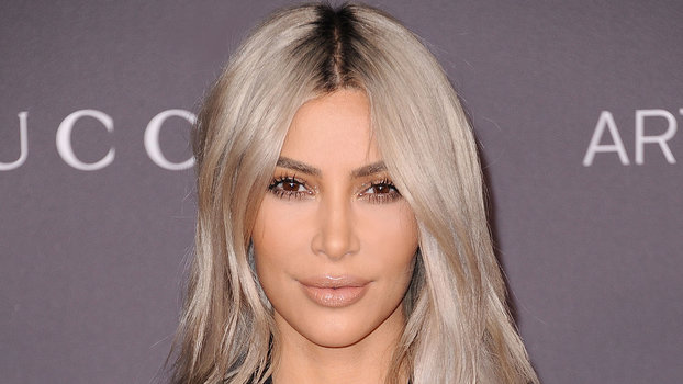 Blonde Hair Dark Roots Celebrity Hair Trend Instyle Com