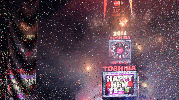 what it s really like to spend new year s eve in times square