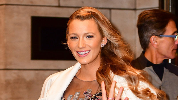 Blake Lively Says She S Too Controlling To Have A Stylist